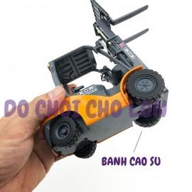 Xe mô hình công trình NÂNG HÀNG bằng sắt 1:20 KDW 625039