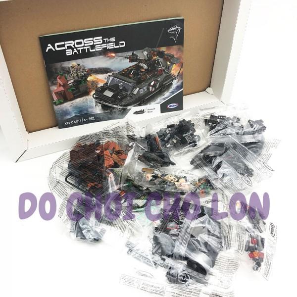 Hộp đồ chơi lắp ráp tàu chiến Across Battlefield 588 miếng XB06017