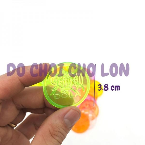 Đồ chơi đồng xu TRUNG bằng nhựa (100gram - khoảng 60 cái)