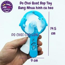 Vỉ đồ chơi quạt bóp cầm tay hình cá heo bằng nhựa (1 cái)