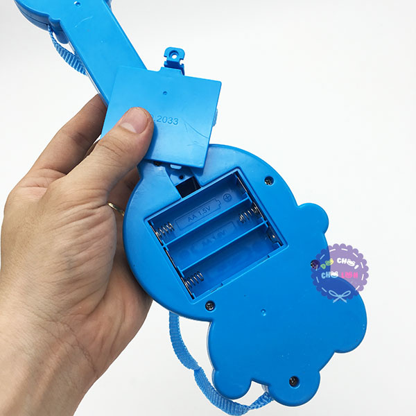 Đồ chơi đàn guitar Doraemon dùng pin có nhạc tiếng Việt
