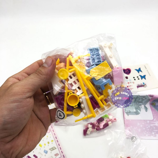 Hộp đồ chơi lắp ráp quán cà phê búp bê 21201