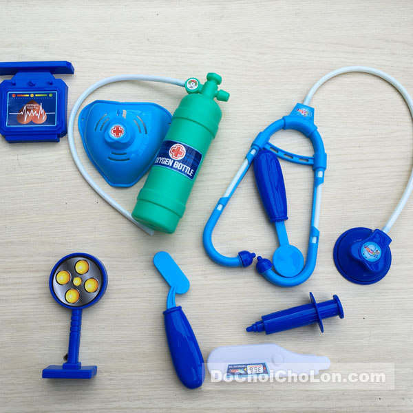 Vỉ đồ chơi áo bác sĩ & dụng cụ y tế