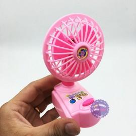 Vỉ đồ chơi quạt bàn mini bằng nhựa dùng pin 2828S