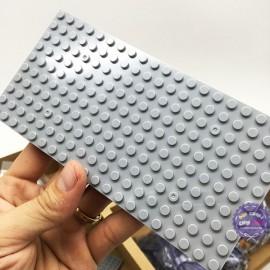 Hộp đồ chơi COGO lắp ráp tàu sân bay 881 mảnh dùng pin có đèn