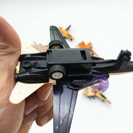 Hộp đồ chơi 8 mô hình máy bay chiến đấu bằng nhựa chạy trớn