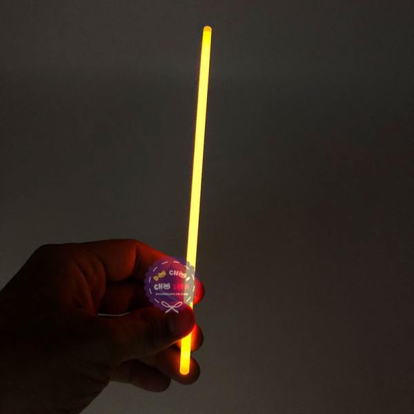 Hộp 50 que phát sáng + kèm nút gắn làm vòng tay