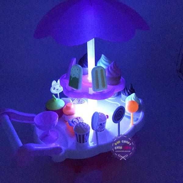 Hộp đồ chơi xe đẩy kem dùng pin có nhạc đèn