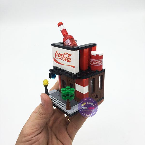 Hộp đồ chơi lắp ráp mô hình thành phố thu nhỏ quán Coca Cola