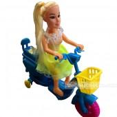 Đồ chơi búp bê ngồi xe máy điện chạy bằng dây cót