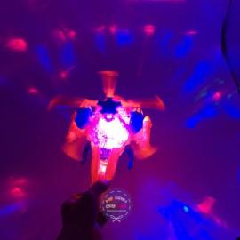 Lồng đèn trung thu trực thăng chiến đấu chạy pin có đèn nhạc