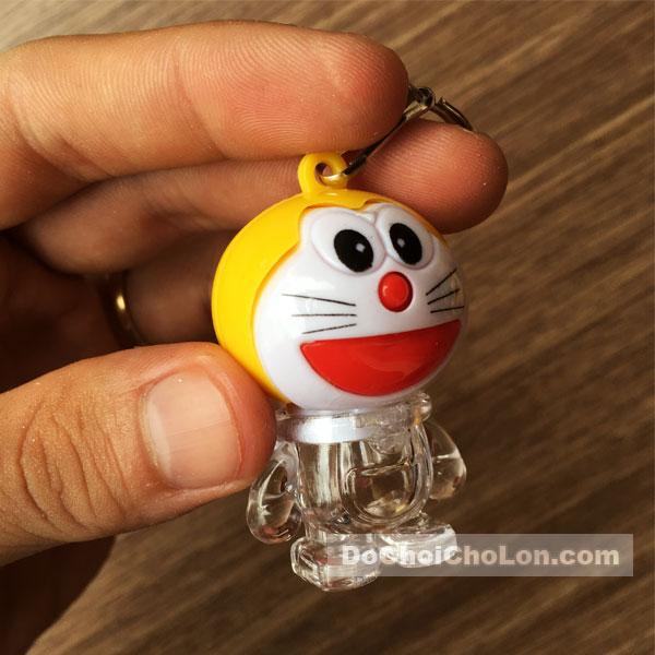 Vỉ đồ chơi 12 móc khóa Doraemon phát sáng