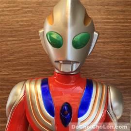 Đồ chơi mô hình siêu nhân điện quang Ultraman dùng pin