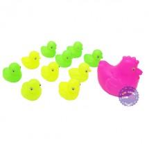 Bộ đồ chơi đàn gà con và gà mẹ bằng nhựa túi lưới