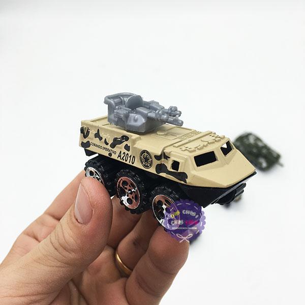 Hộp đồ chơi các loại xe quân sự bằng sắt 6 chiếc Die-Cast Model