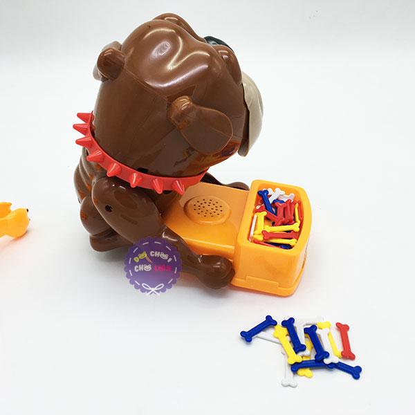 Hộp đồ chơi gắp trộm xương chó Bull cỡ lớn dùng pin WS5319